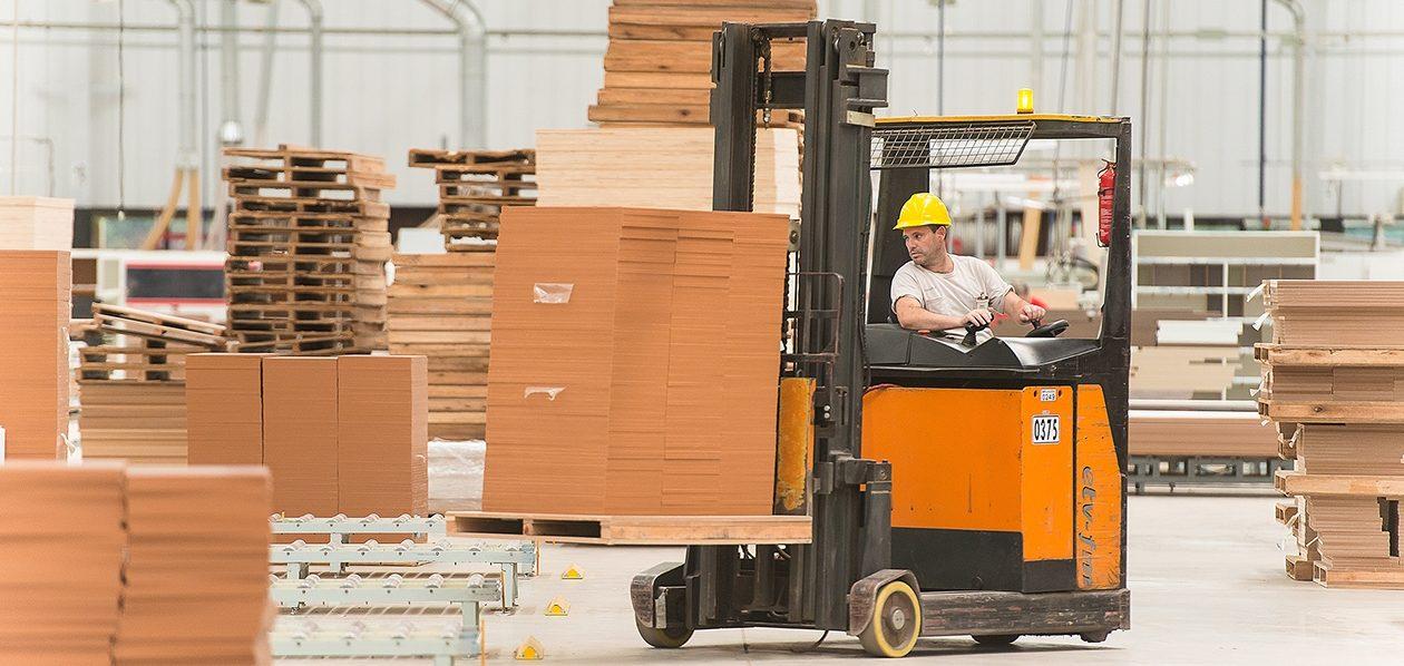 Exportações crescem 13% no polo moveleiro de Bento Gonçalves